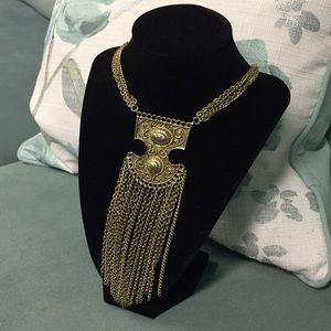 BNWT KENNETH COLE VINTAGE STYLE GOLDTONE NECKLACE